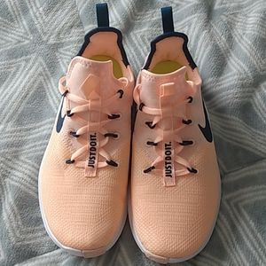 Women's Nike training NWOT or box